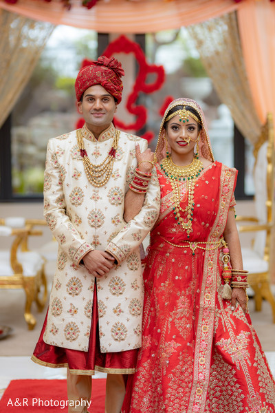 See this gorgeous couple posing