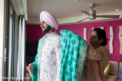 Indian groom getting his dupatta on.
