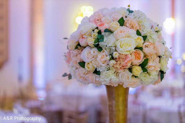 See this gorgeous floral arrangement