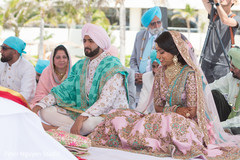 See this romantic Indian wedding style.