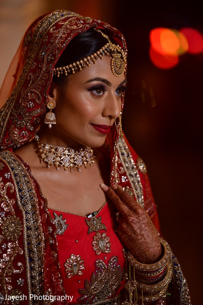 Stunning Indian bridal ceremony look.