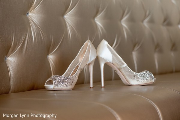 Stunning Indian bridal wedding shoes.