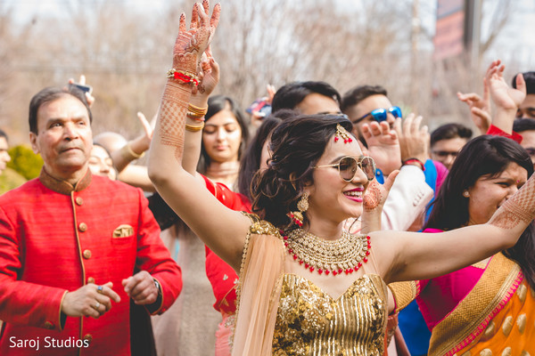 Upbeat Indian baraat procession photo.