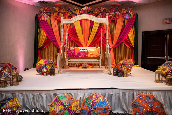 See this Indian wedding stage decor