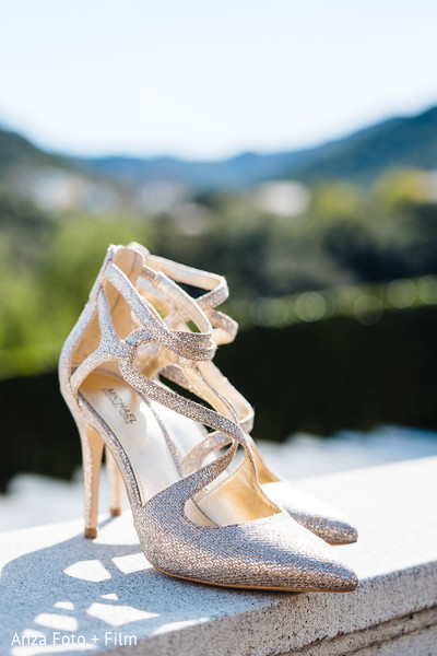 Elegant Indian bridal wedding shoes.