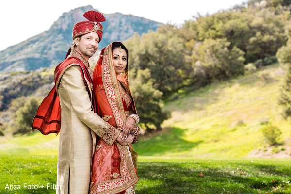 Phenomenal indian couple's photo session.