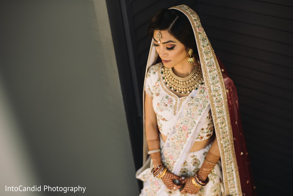 Dreamy capture of maharani on her ceremony outfit.