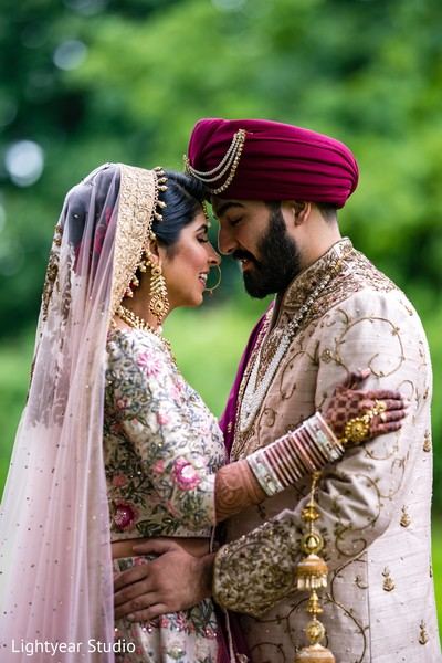 See this gorgeous shot of the Indian couple
