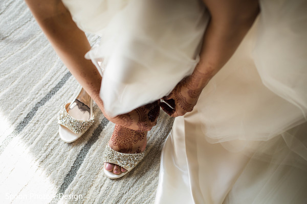 Indian bride's perfect shoes.