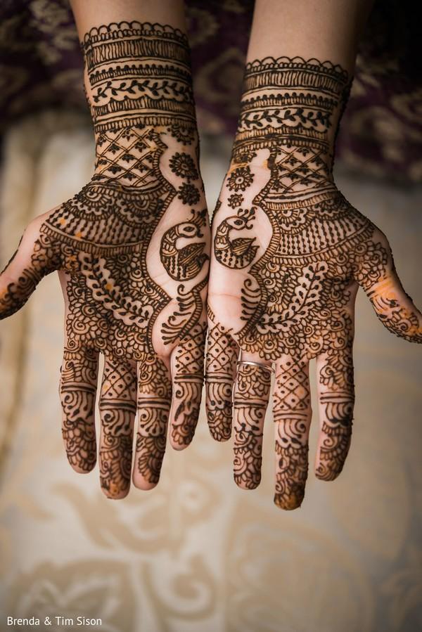 Incredible Indian bridal henna art closeup capture.