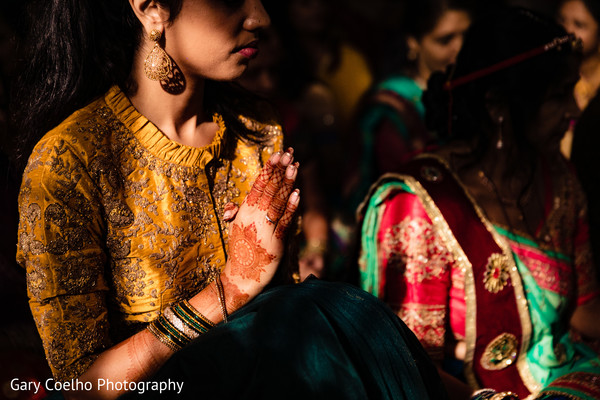 Take a look at this cute indian bride at her haldi rituals.