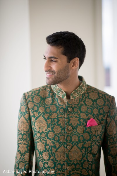 Gorgeous indian groom capture.