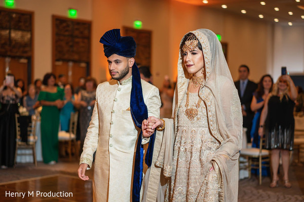 Indian groom and Maharani about to tie the knot
