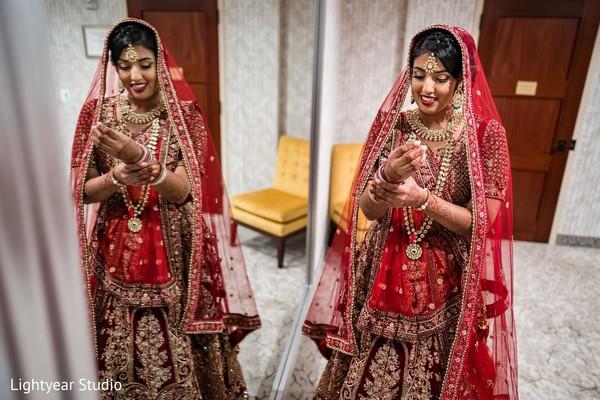Maharani putting on her chooras.