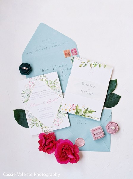 Gorgeous invitations of the spree
