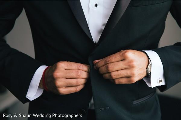 Amazing Indian groom suit.
