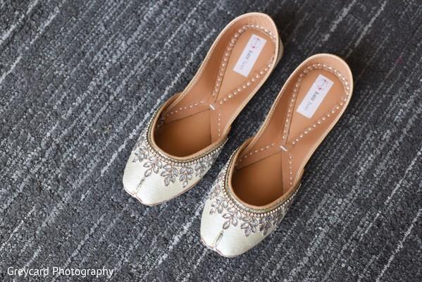 Elegant Indian wedding shoes.
