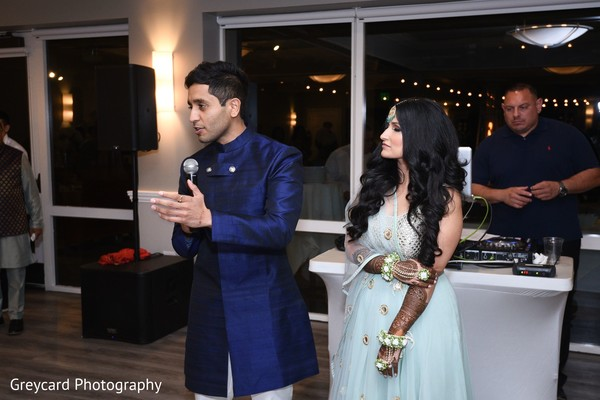 Fantastic capture of Indian bride and groom at sangeet.