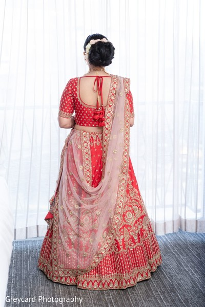 Elegant Indian bridal lehenga outfit.