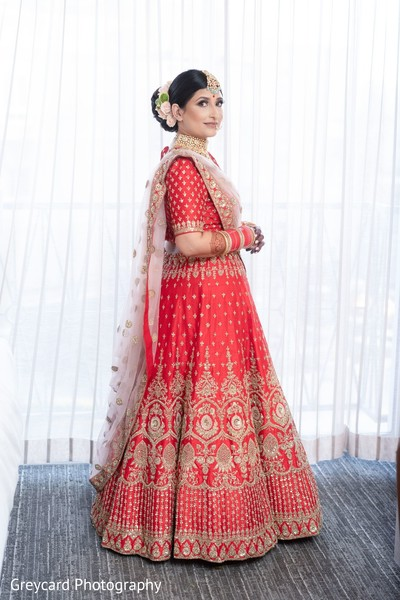 Phenomenal Indian bridal ceremony look.