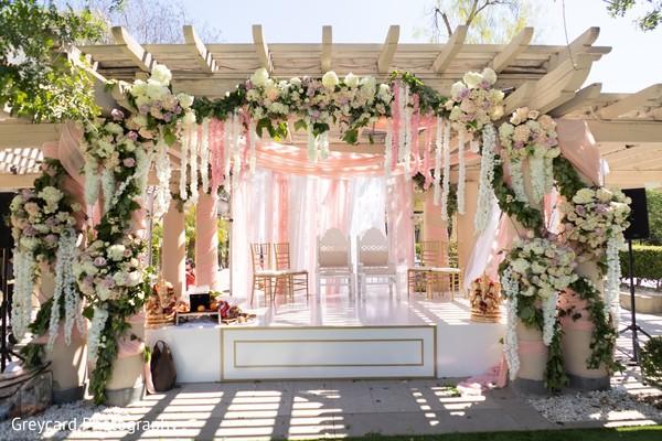 Fascinating indian wedding mandap decor.