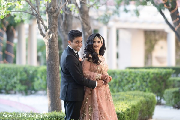 Sensational Indian lovebirds photo session.