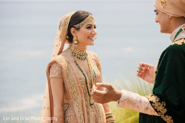 Marvelous outdoor Indian couple's first look.