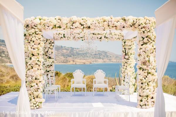 Astonishing indian wedding ceremony flowers decor.