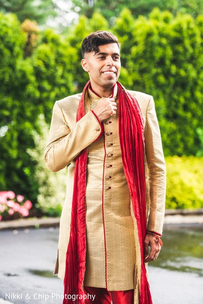 Charming indian groom's photo.