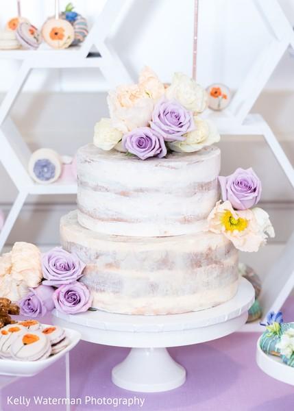 Romantic Indian wedding cake photo.