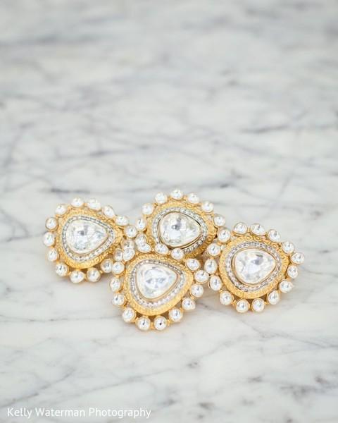 Stunning Indian bridal earrings.