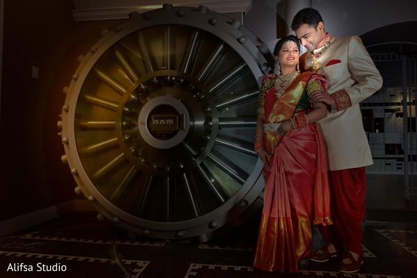 Enchanting Indian lovebirds photo shoot