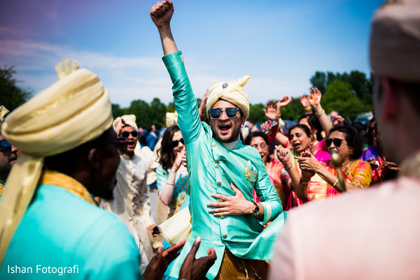 Moments of the baraat