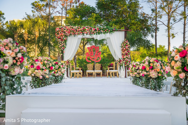 Stunning Indian wedding ceremony flowers decorations.