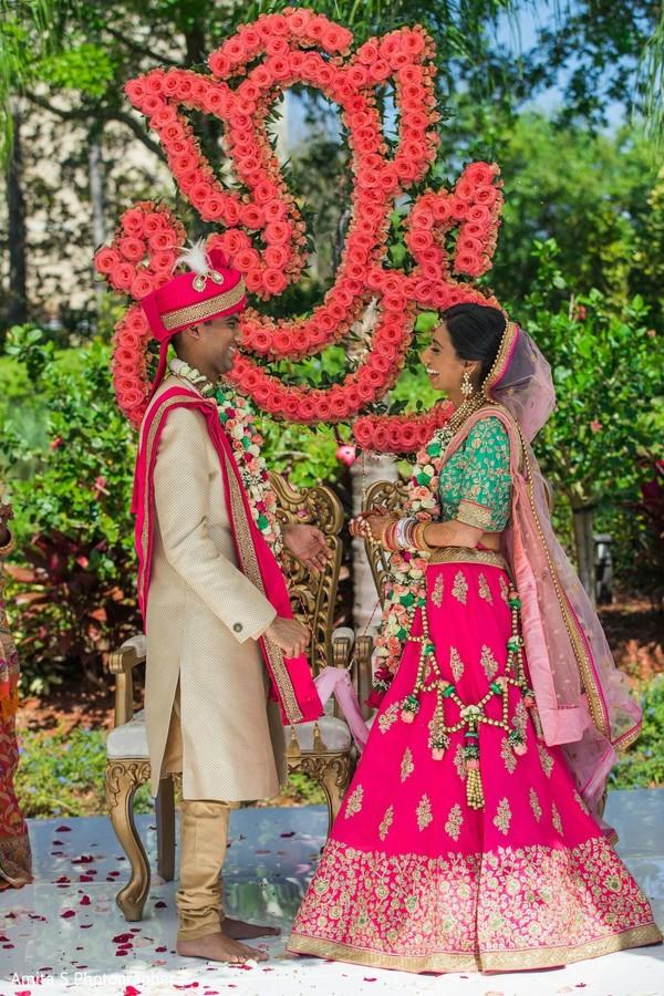 Dreamy Indian lovebirds capture.