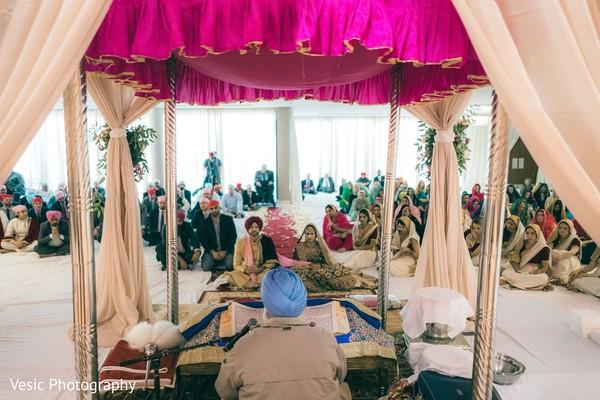 Impressive capture of Indian wedding sikh ceremony.
