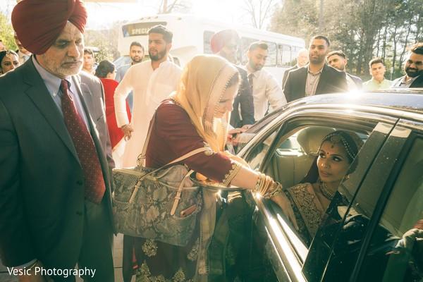Memorable Indian bridal bidai capture.