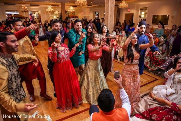 Incredible Sangeet dance capture.