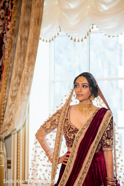 Adorable Indian bridal ceremony look.