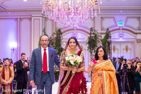See this romantic Indian wedding ceremony.