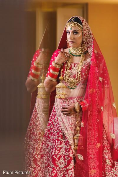 Stunning Indian bride's Jewelry fashion.