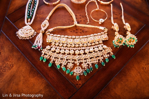 Jewelry details of the Maharani