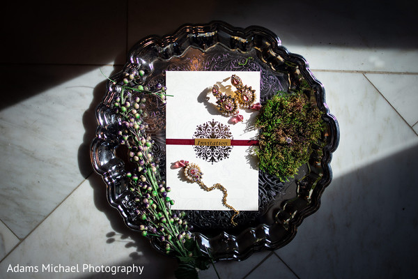 Take a look to this amazing indian wedding invitation