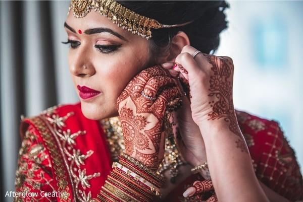 Flawless Indian bridal mehndi art.