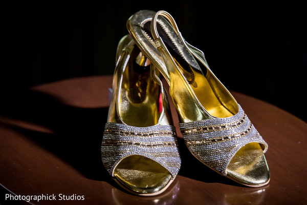Phenomenal indian bride's shoes capture