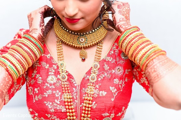 Marvelous Indian bridal choker necklace.