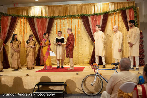Marvelous Indian wedding ceremony capture.