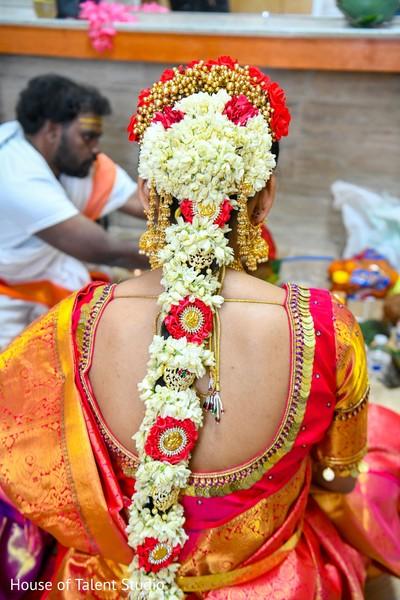 Perfect indian bride's floral design