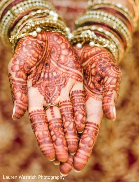 Fascinating indian bridal mehndi.
