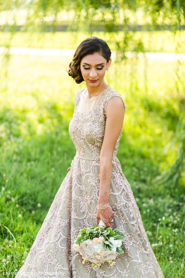 Incredible Indian bridal reception fashion.